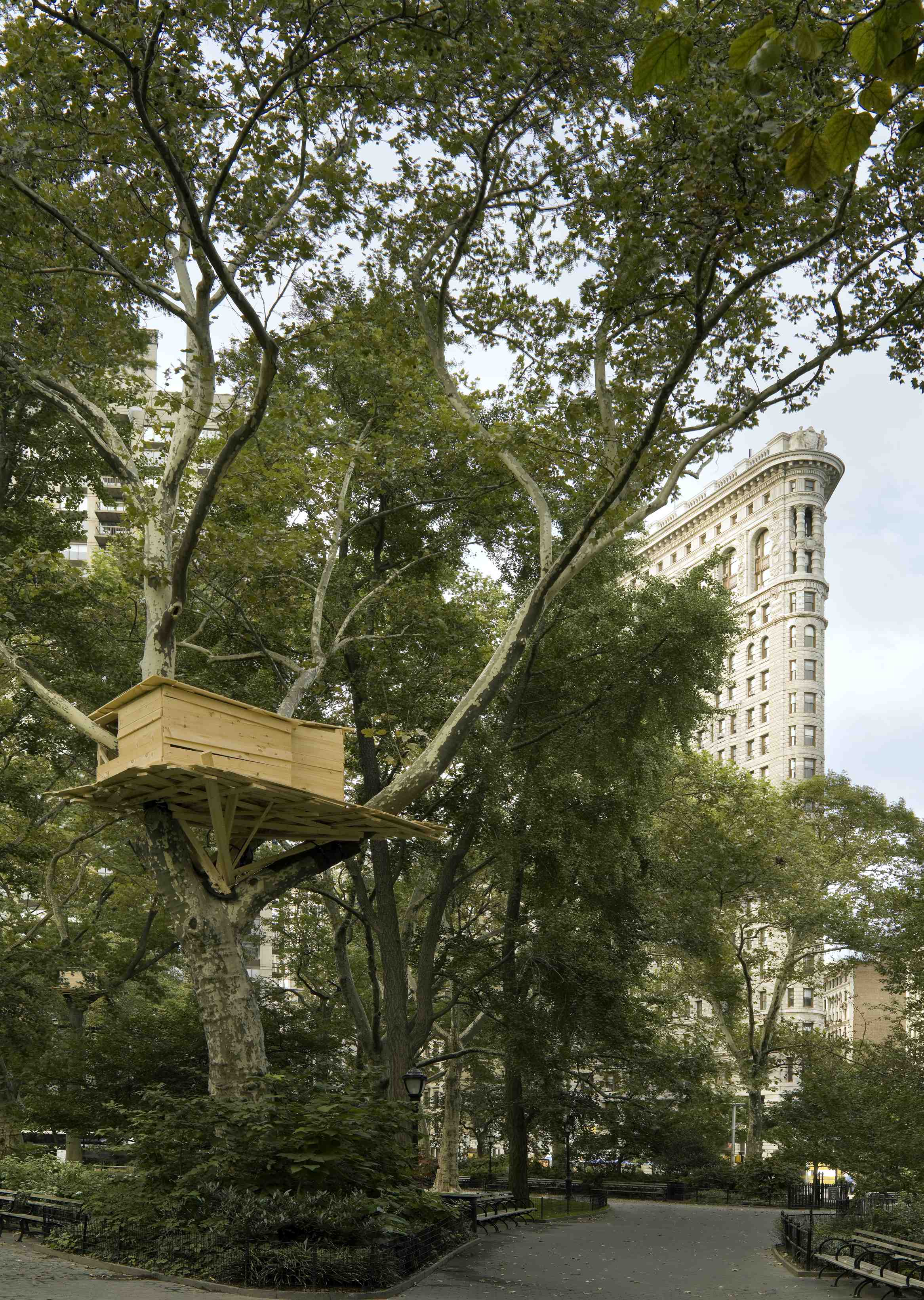 Tadashi Kawamatas Tree Huts Projekt von 2008 in Paris und New York City